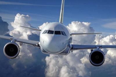 Где разрабатываются правила авиаперевозок, и кто осуществляет контроль их выполнения
