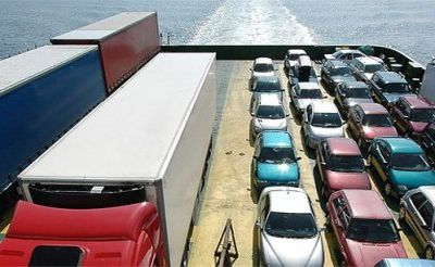 Разные варианты доставки колёсной техники в морских грузоперевозках